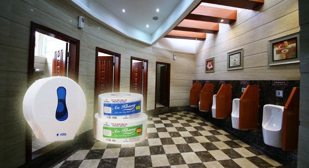 Giấy vệ sinh cuộn lớn thích hợp dùng trong vệ sinh chung khách sạn