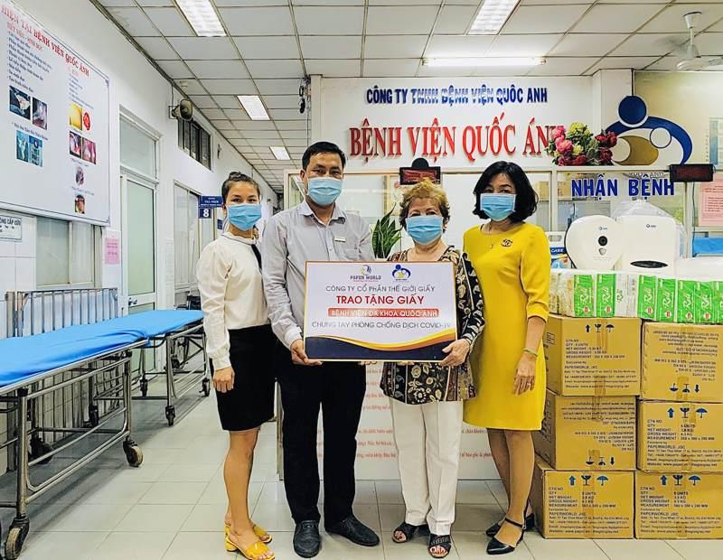 TGG trao tặng giấy cho bệnh viện đa khoa Quốc Ánh